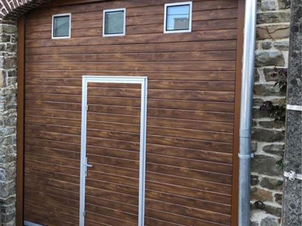 Installation-porte-garage-bois-Beauraing