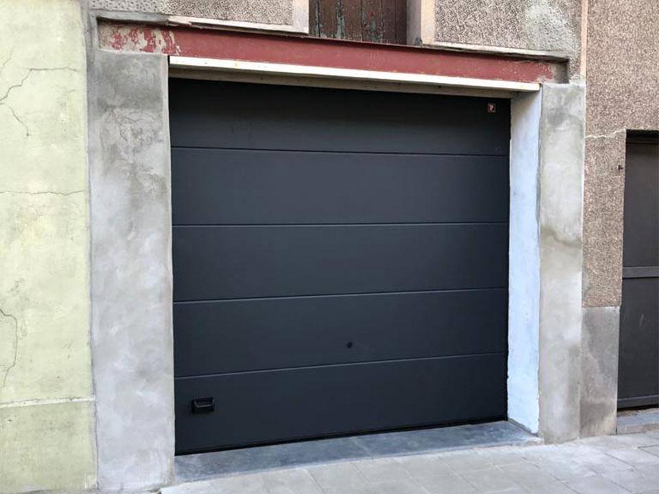 Porte-Garage-Moderne-Manage