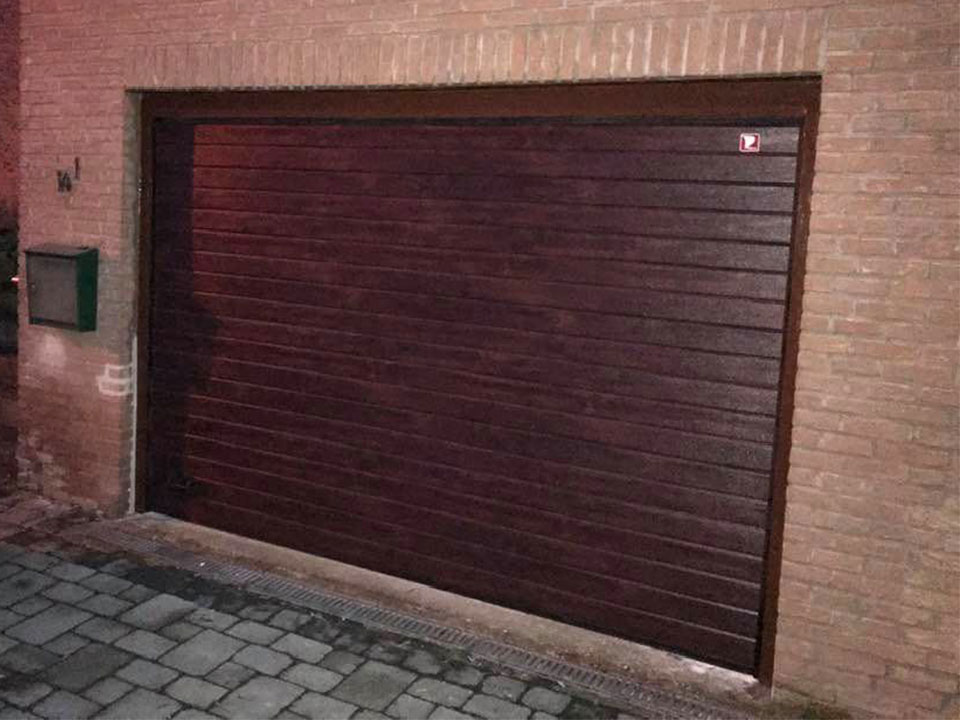 Porte-garage-Wanze