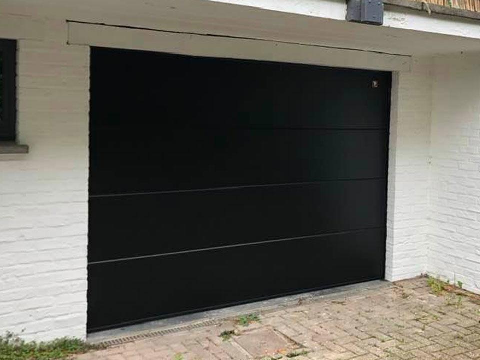 porte-garage-moderne-noire